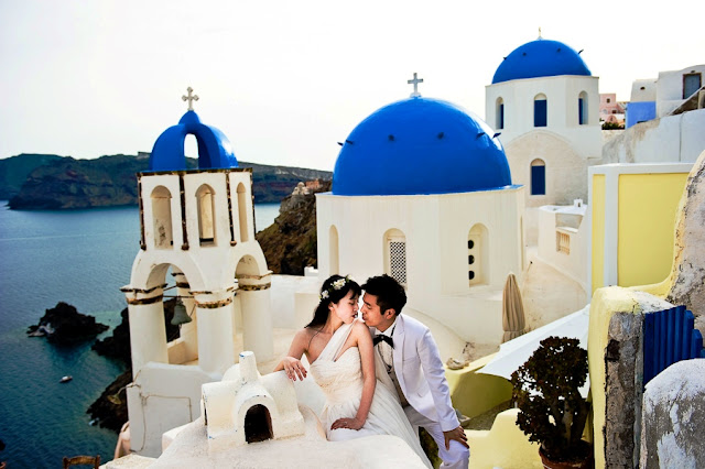 Honeymoon in Santorini Greece