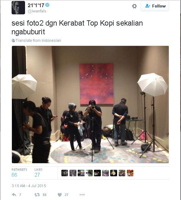 foto dengan crew Top Kopi