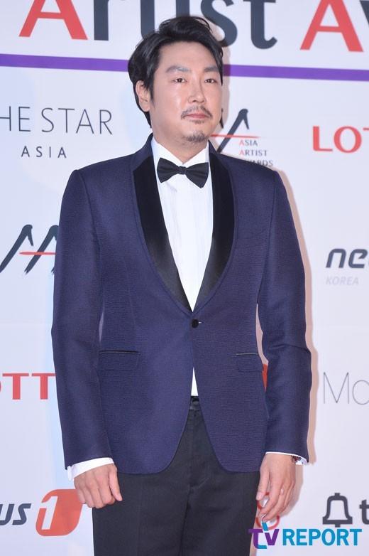 ผลการค้นหารูปภาพสำหรับ 2016 Asia Artist Awards (AAA)