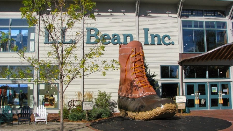L L Bean In Freeport Maine Features An Amazing Seven Acre
