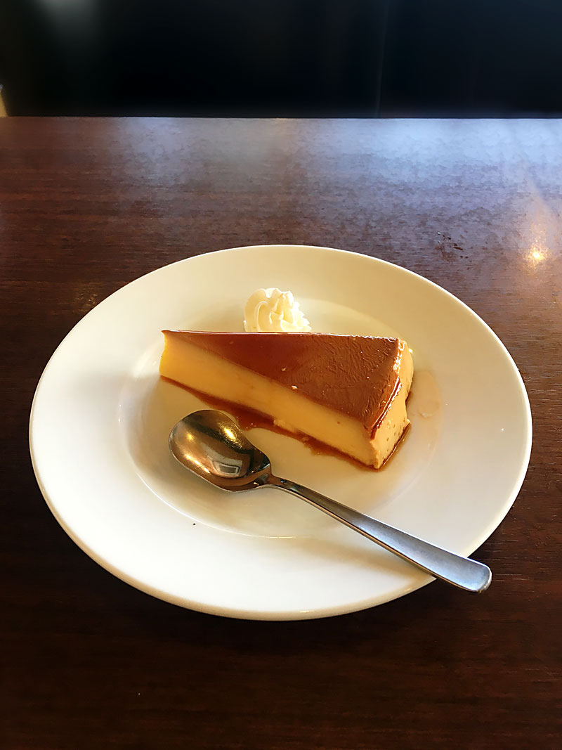 JR京浜東北線赤羽駅東口にある喫茶店『昔ながらの喫茶店 友路有(トゥモロー)』のプリン