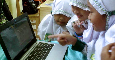 Belajar Agama Lewat Internet, Sesatkah?