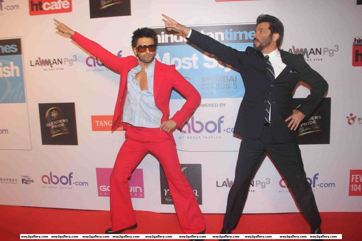 Ranveer Singh and Anil Kapoor match steps during Hindustan Times Most Stylish Awards