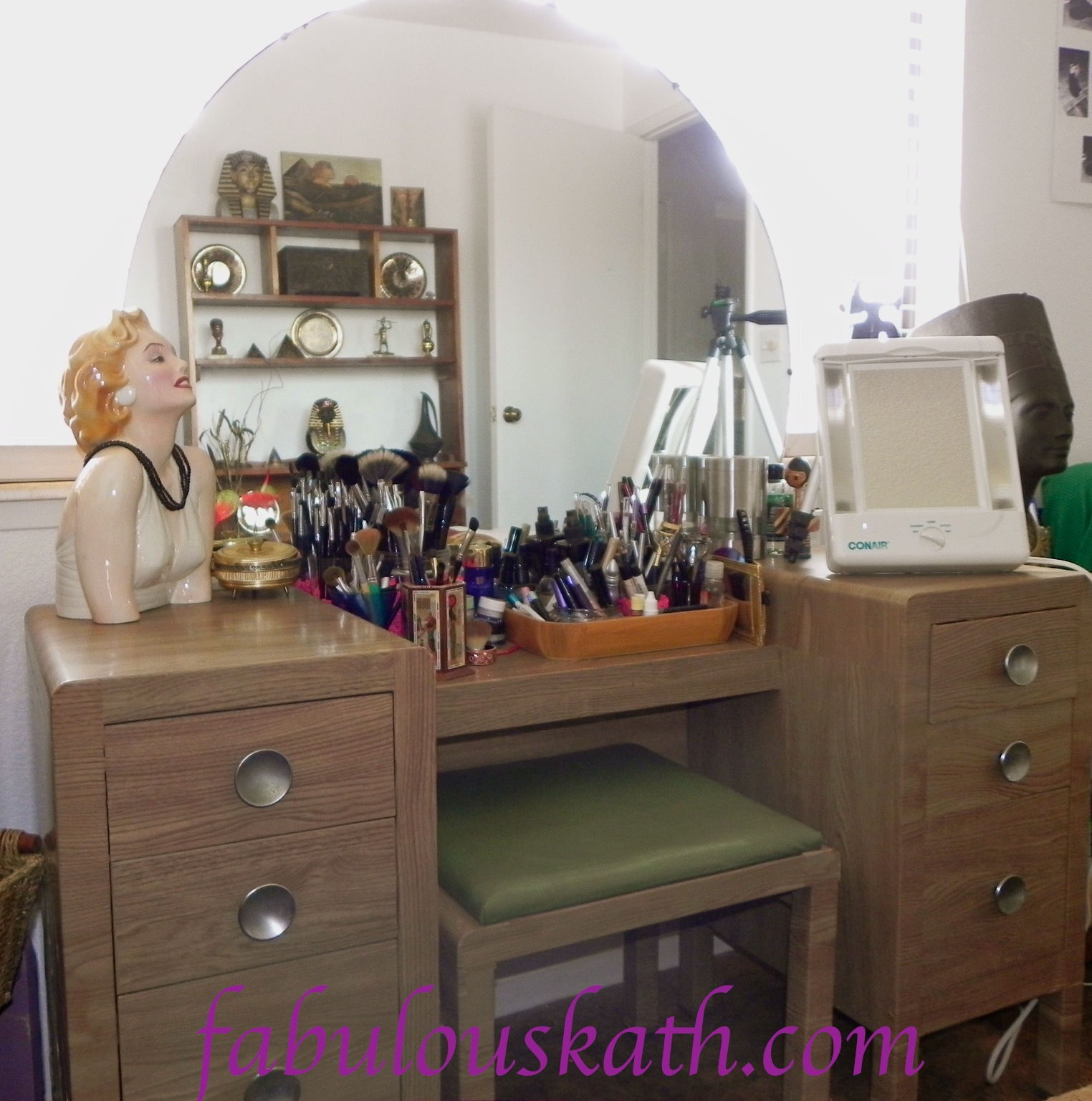 Girl Makeup Station Welcome To My Makeup Station Thefabzilla