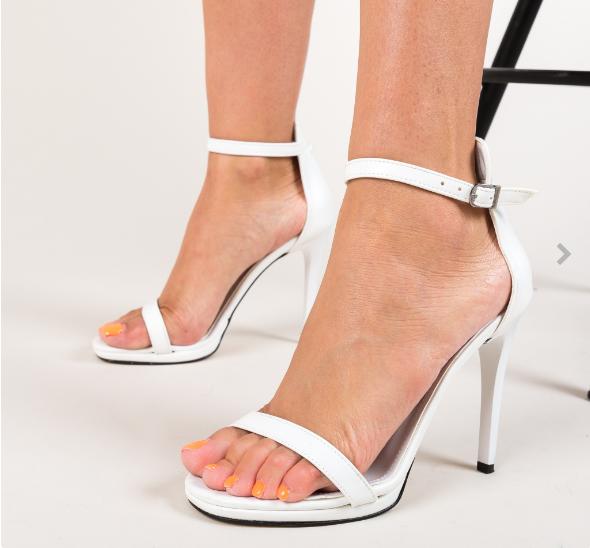 Sandale de zi cu toc subtire albe la moda ieftine si elegante