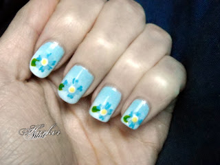 blue flowers nail art