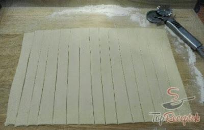 لفافات محشية بالميرانغ سهلة ولذيذة