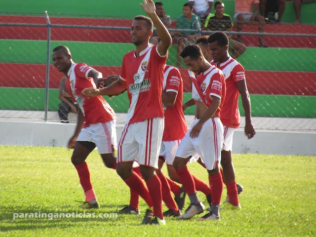 Santo Antonio goleia Santos e faz história no futebol paratinguense