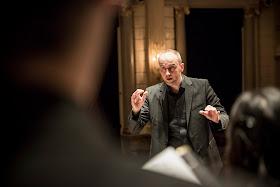 Peter Dijkstra and Netherlands Chamber Choir ©FoppeSchut