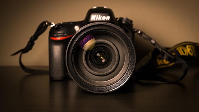 Wallpaper: Nikon DSLR Camera