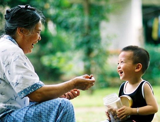 隔代教養「沒話說」 幼兒語言發展緩 - 桃園市第四區居家托育服務中心