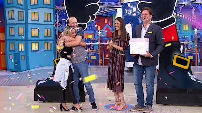 Flavia e Murilo são surpreendidos por Chris e Bertolazzi  (Crédito: Victor Silva/SBT)