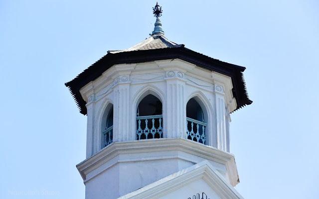 Tempat meletakkan lonceng tua gereja