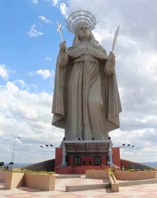 Maior estátua católica do mundo