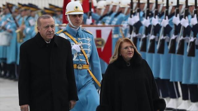 """Erdogan apoya a Maduro ante """"mentalidad totalitarista"""" de EEUU"""