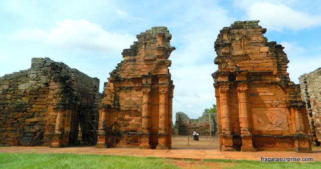 """Ruínas da igreja da Missão Jesuítica de San Ignacio Miní, chamada de """"A Catedral"""""""