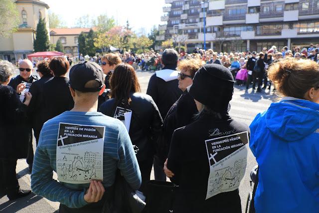 Protesta de familiares de usuarios de la residencia de ancianos de la Fundación Miranda