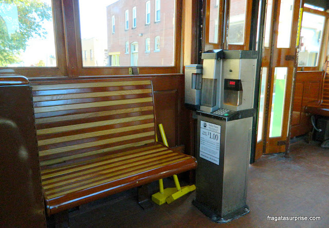 Máquinas automáticas a bordo dos bondes de memphispara o pagamento da passagem