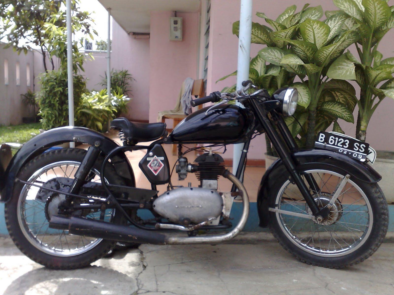 Download Gambar Motor Antik