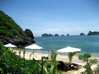 7 Beautiful Beachs in Halong Bay 2