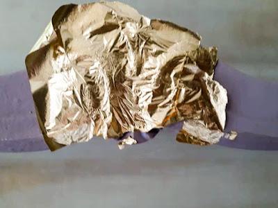 Επιχρύσωση καρέκλας με φύλλα χρυσού 9 Annie Sloan Greece