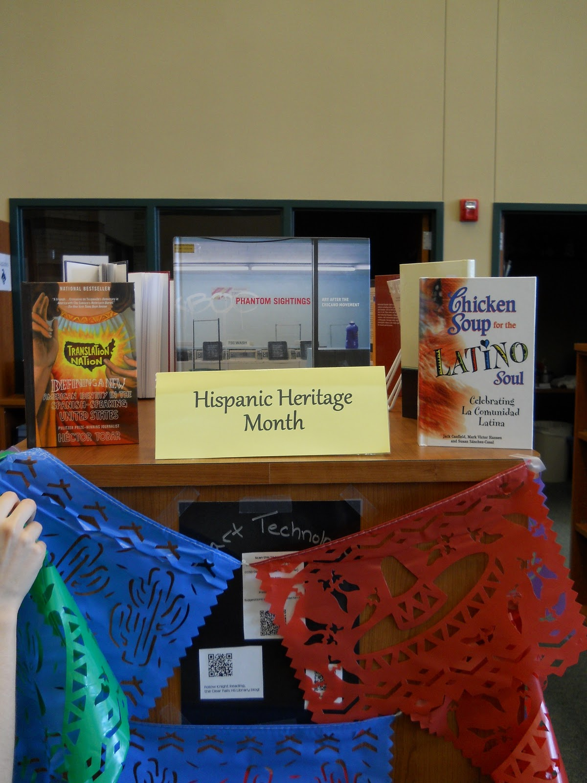 Knight Reading Hispanic Heritage Month In The Library