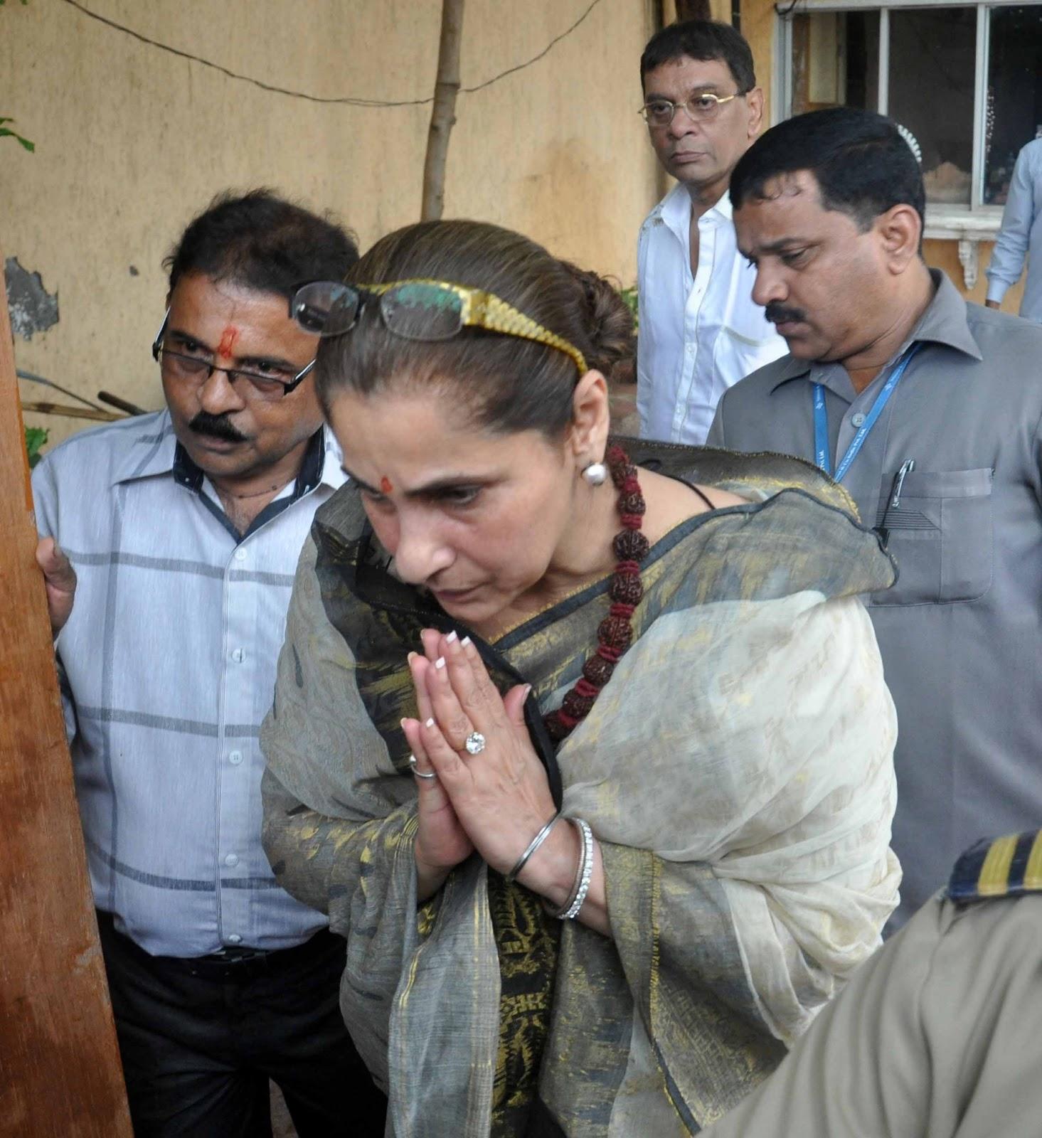 Rajesh Khanna Age, Height, Wife, Son, Death Cause ...