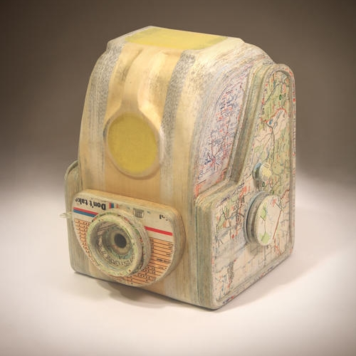 14-Fulvue-Ching-Ching-Cheng-Vintage-Camera-Sculptures-Made-of-Books-and-Maps-www-designstack-co