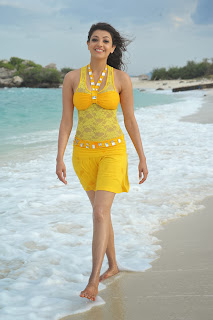 kajal agarwal beach photos