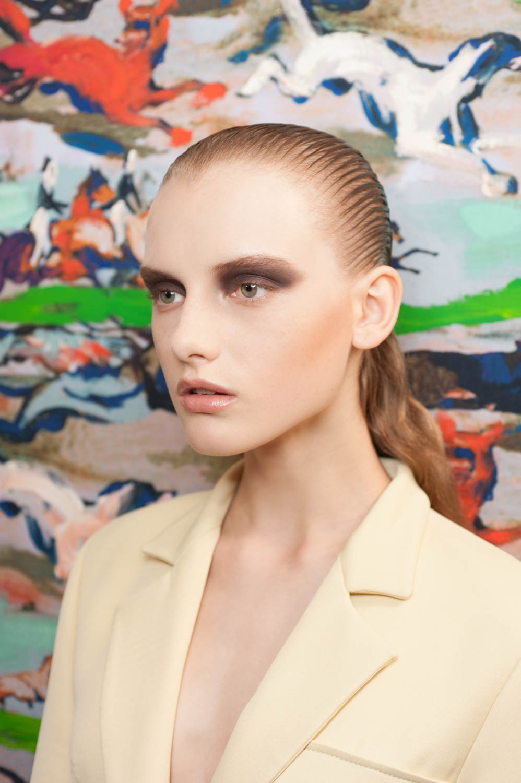 bella hadid dior makeup fashion show backstage makeup