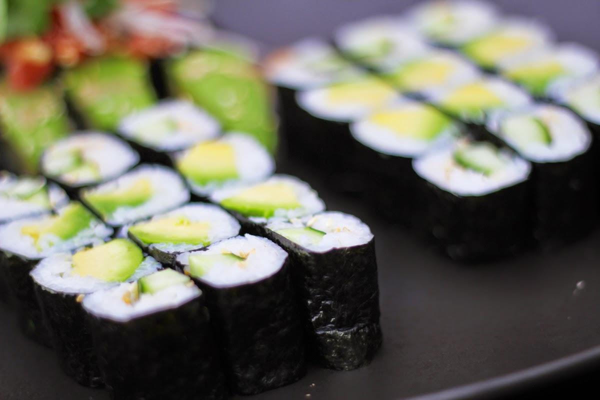 avocado maki gurke sushi berlin dudu torstrasse restaurant