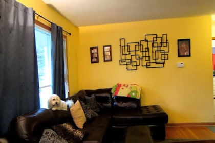 Playing Yellow Living Room Walls for A Fun Impression