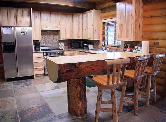 la madera poco trabajada otorga a los muebles un aspecto rstico y robusto aqu podis ver unos ejemplos de mesas hechas de forma artesanal fuertes y