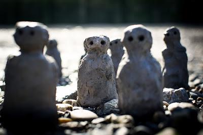 Image of Liz Crow's gray clay figures