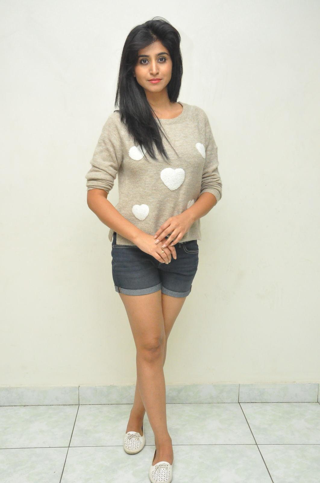 Shamili new cute photos gallery-HQ-Photo-9