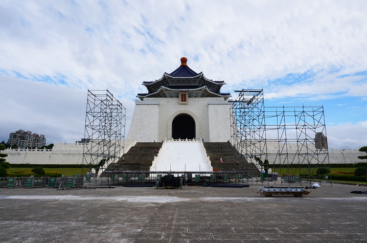 Euriental || fashion & luxury travel || Chiang Kai-shek memorial hall in Taipei, Taiwan