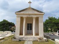 Crkvica sv. Terezija, Mirca, otok Brač slike