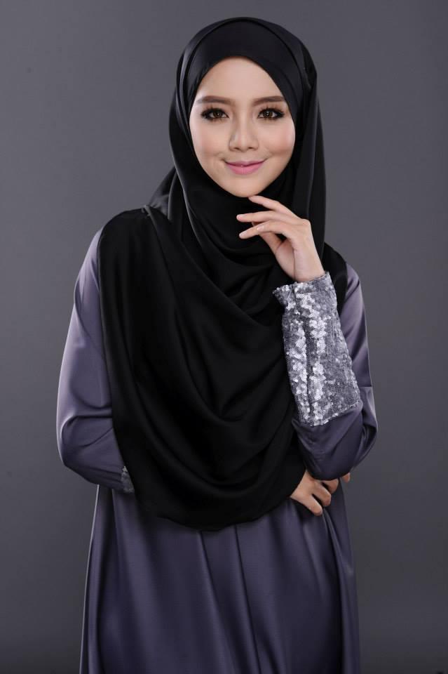 model hijab dengan kebaya model hijab dua warna