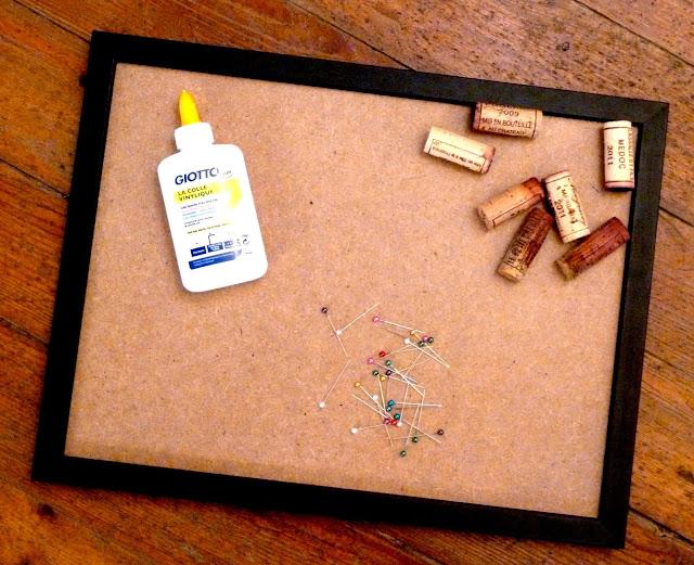 melting poe diy le tableau pense b te en bouchon de li ge. Black Bedroom Furniture Sets. Home Design Ideas