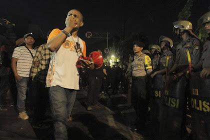Rupanya ini Penyebab Demo Jokowi Belum Mau Bubarkan Diri Walau Sudah Tengah Malam