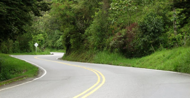 Estradas de carro na Colômbia e Bogotá