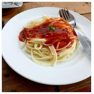 Spaghetti Bolognese | @shashinetria