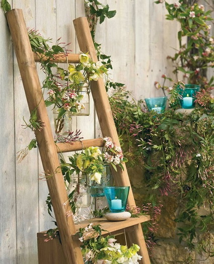 Ideas for decorating with old wooden ladders 4