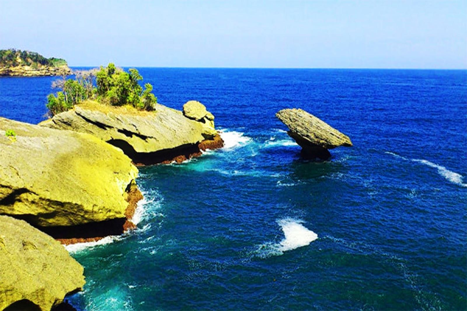 Wisata Pantai Popoh Tulungagung, Asyiknya Liburan Sambil ...
