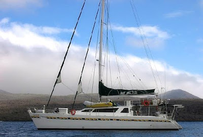 Tours Galápagos Yates de primera clase Crucero Catamarán Nemo II