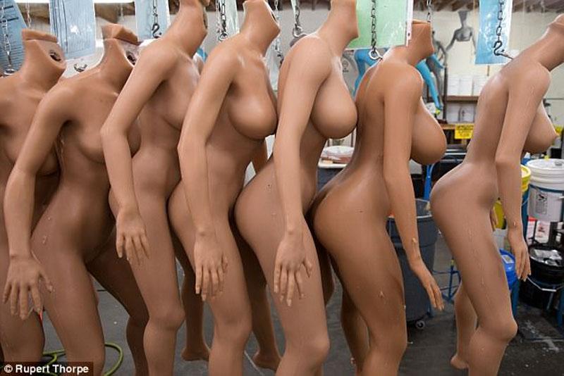 Девушки - роботы от RealDoll.