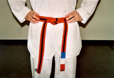Cara Mengikat Sabuk Taekwondo 5