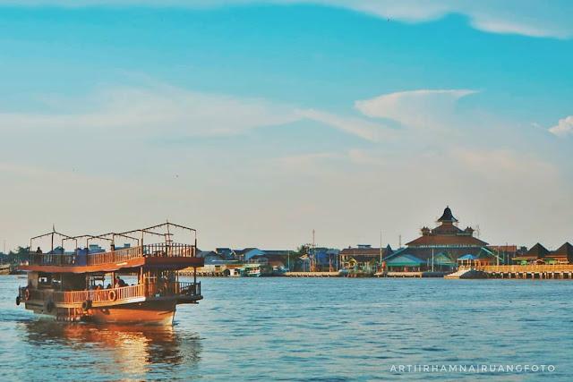 Menikmati Keindahan Sungai Kapuas di Pontianak, Kalimantan Barat