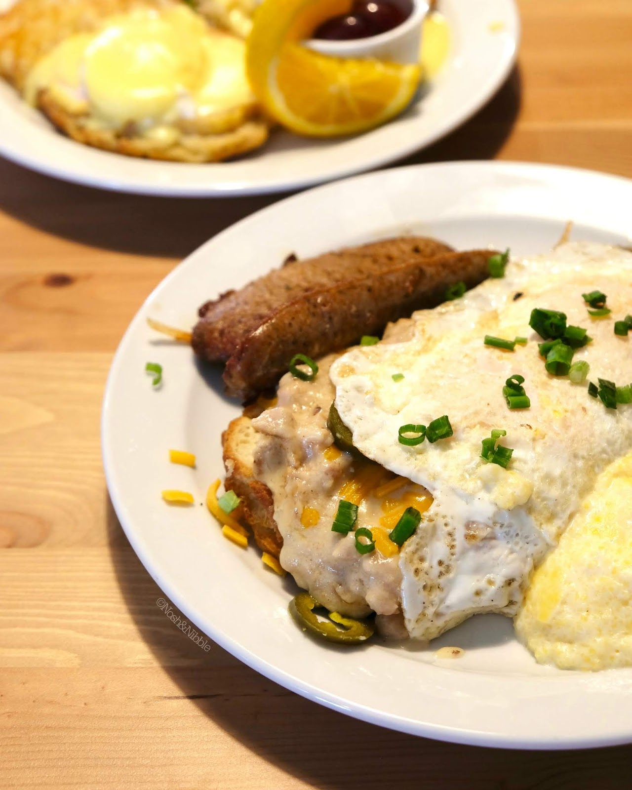 Shanzee's Biscuit Cafe in Victoria, BC | King of the Road Biscuits & Gravy: Review
