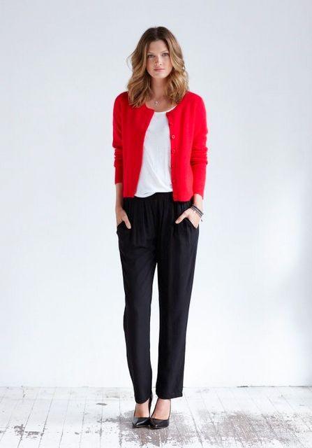Gaya Rebel Edgy dengan warna merah outfit